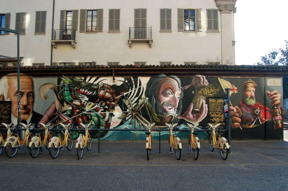 Murale in via pio iv for Ristorante murales milano