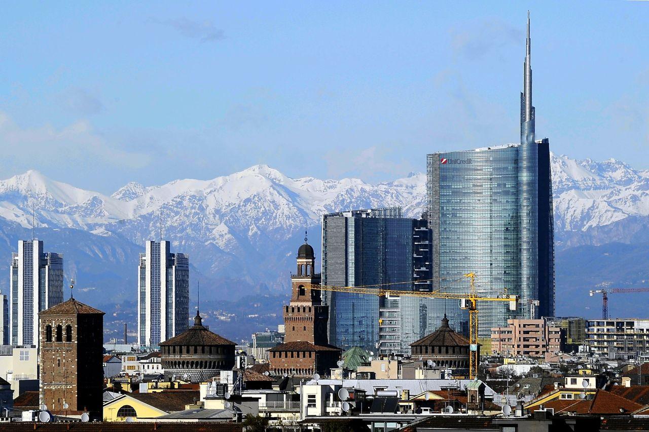 Il clima ventoso oltre a spazzare via le nubi gioved ha for Milano re immobili di prestigio