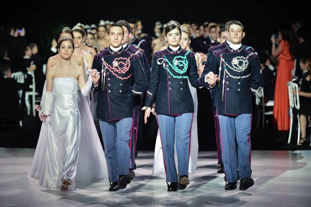 Hanno danzato in uniforme anche le allieve dell for Accademia fashion design milano