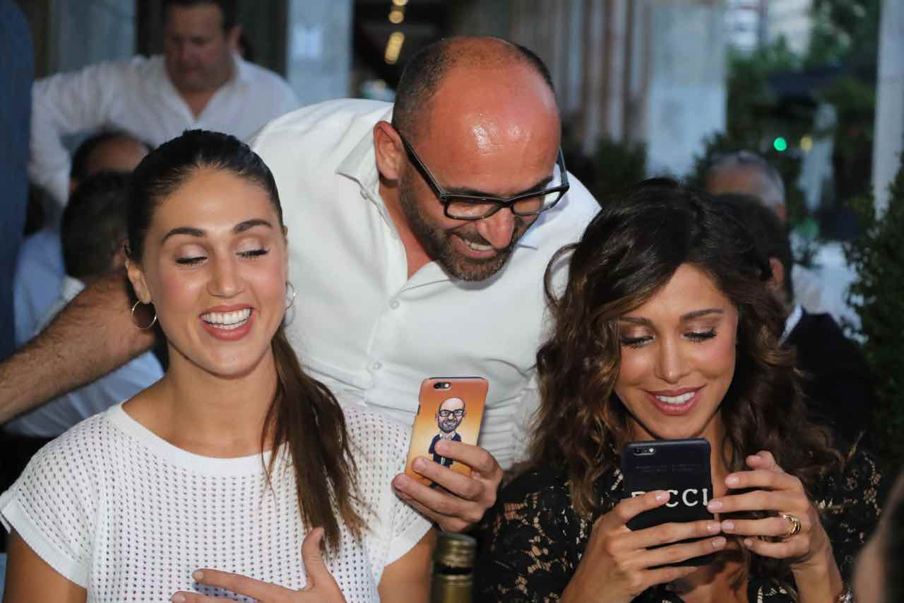 Bel n sempre attivissima sui social network con la sorella cecilia fotogramma - Ricci casa milano ...