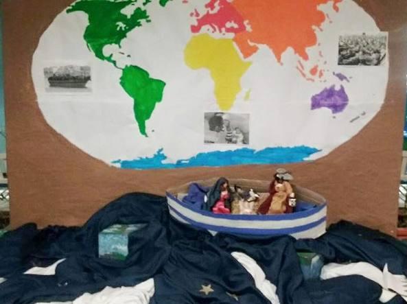 Il presepe sul barcone alla Montessori di Bollate