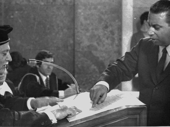Antonino Allegra durante la deposizione al processo Calabresi (Ap)