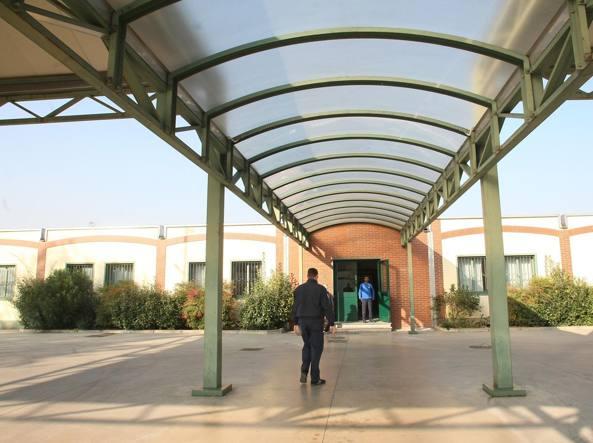 L'ex Cie di via Corelli, ora centro d'accoglienza per i richiedenti asilo (Newpress)