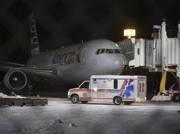 Il volo American Airlines costretto all'atterraggio di emergenza in Canada (Ap)