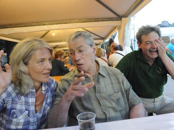 Francesca Bariggi, la  segretaria di Fabio Rizzi  detta «pigiamina»,   con Umberto Bossi e Rizzi a Besozzo  (foto Stefano Cavicchi)