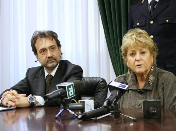 La conferenza stampa con Alessandro Giuliano e Ilda Boccassini (Fotogramma)