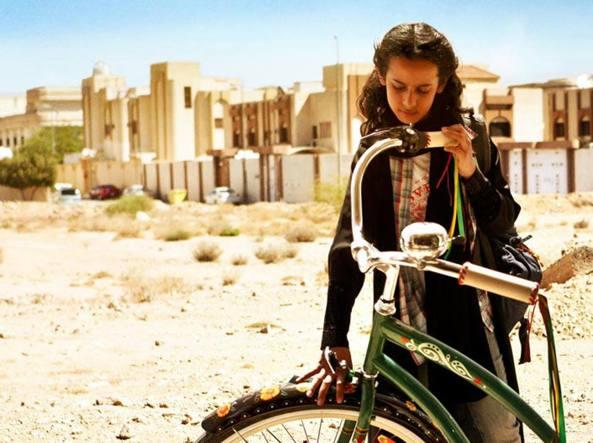 Una scena del film saudita «La bicicletta verde»