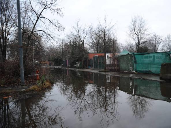 Il campo rom di via Idro
