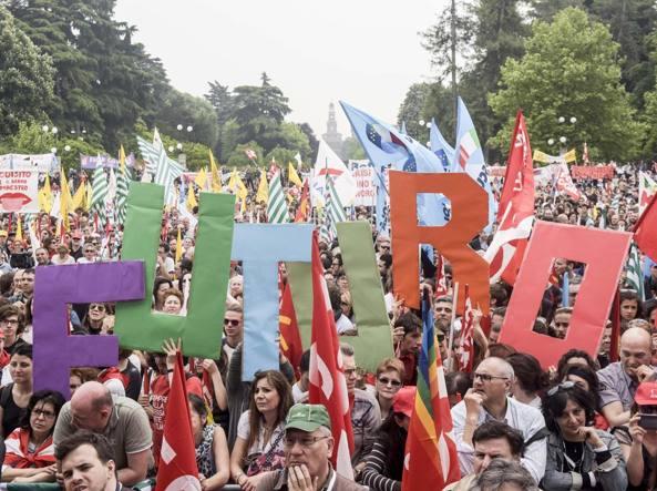 Sono 8 mila i supplenti chiamati a Milano e provincia anche per sostituire il prof assunti con la legge 107 (Ansa)