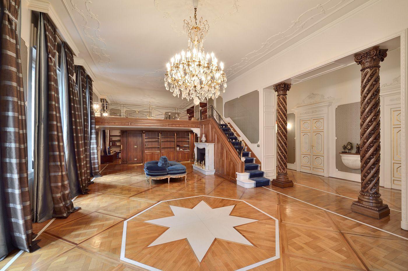 Milano le super case a prezzi milionari for Interni case lussuose