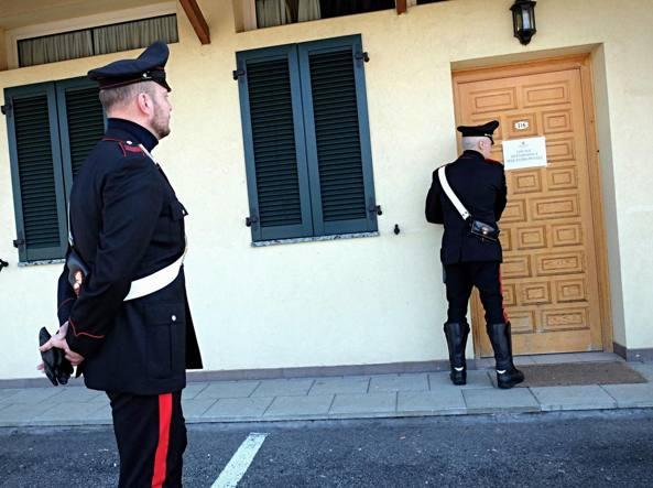 Carabinieri sul luogo dell'accoltellamento (Fotogramma)