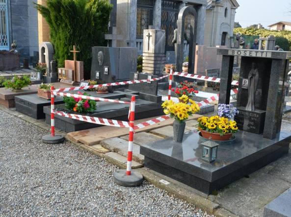 La tomba dopo l'esumazione (Newpress)