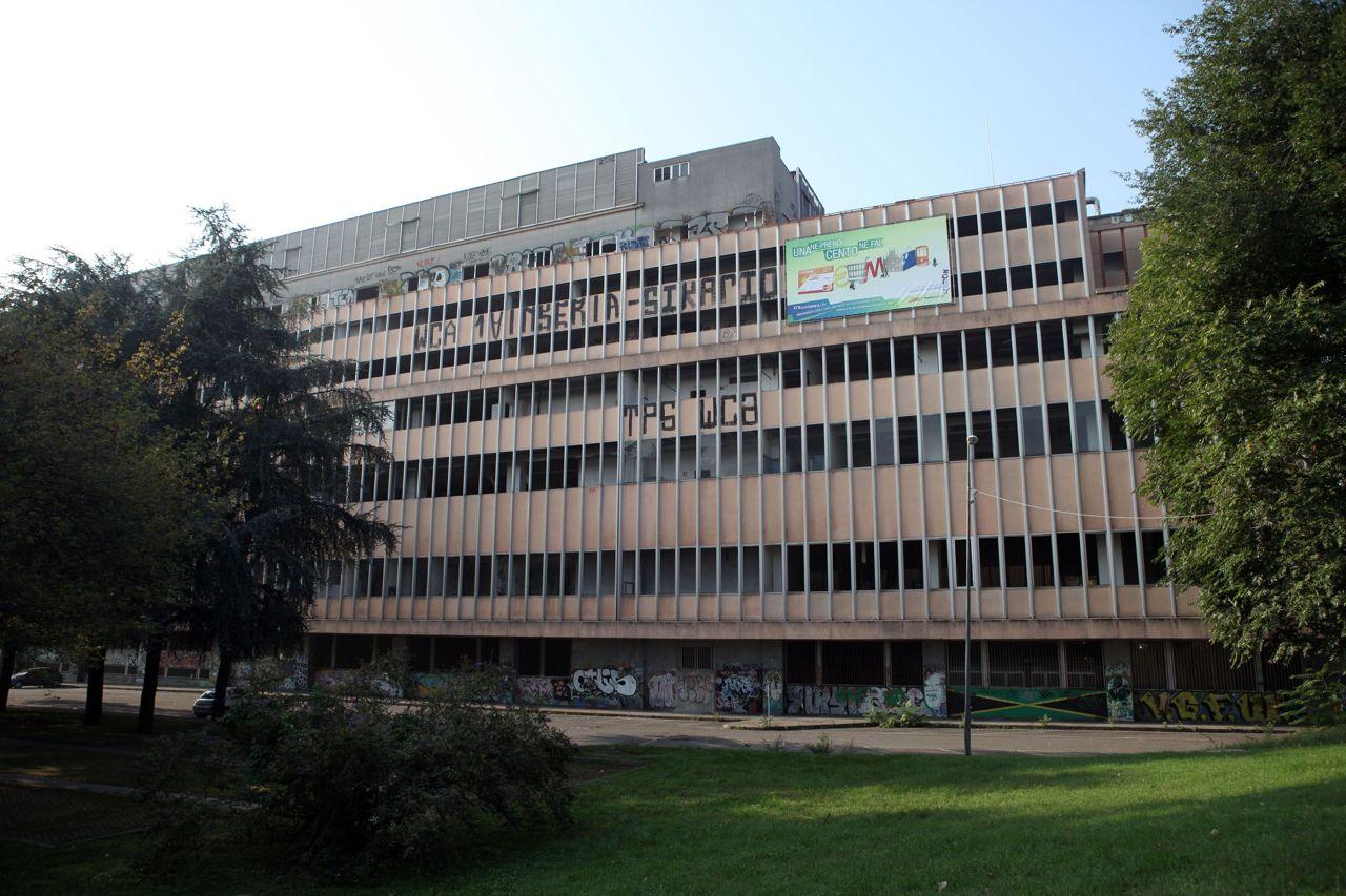 Milano censiti 260 edifici abbandonati for Zara uffici milano