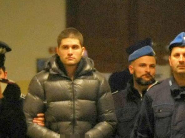 Alexander Boettcher arriva in tribunale il 30 marzo (Fotogramma)