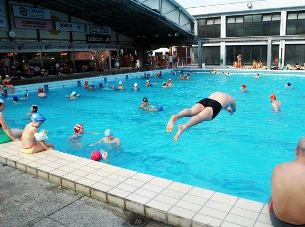 Piscine le nostre pagelle sondaggio vota la mappa e i for Centro sportivo le piscine