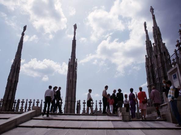 Duomo di Milano, turista si addormenta e resta chiuso dentro