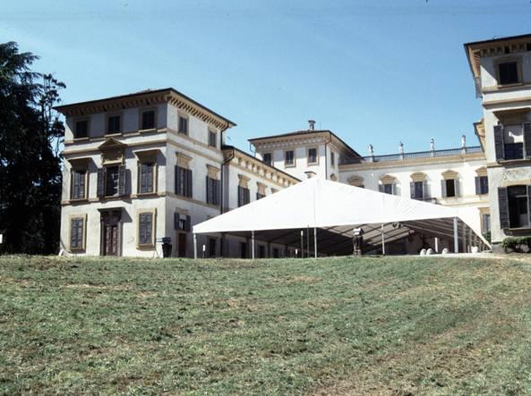 E' in vendita la prestigiosa Villa Borromeo a Senago