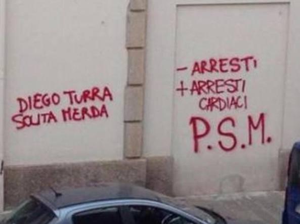 Scritte contro Diego Turra, denunciati quattro No Borders fotogallery video