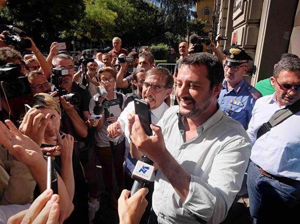 Migranti, Salvini: i militari disubbidiscano ad ordini sbagliati