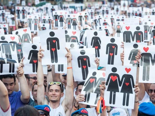 Ragazzo gay rifiutato da scuola cattolica. Omofobia o caso Moncalieri?