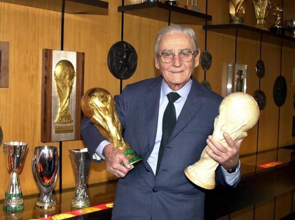 Morto lo scultore della Coppa del mondo