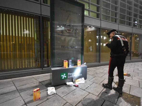 Milano - Rissa tra bande rivali davanti alla Regione, 2 giovani accoltellati