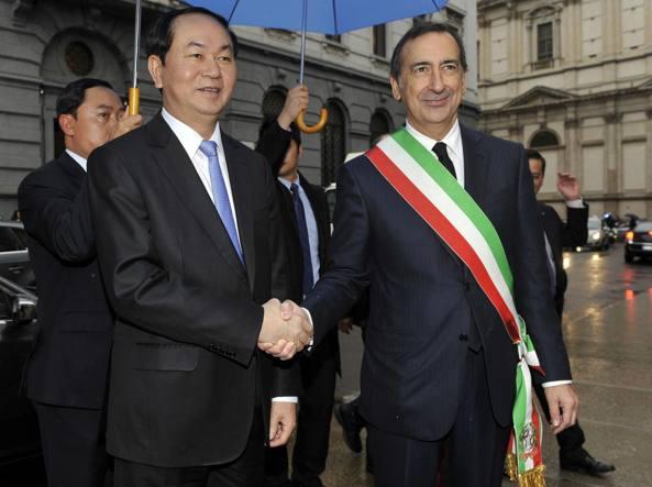 Maroni sigla con Renzi il patto che porta 11 miliardi in Lombardia