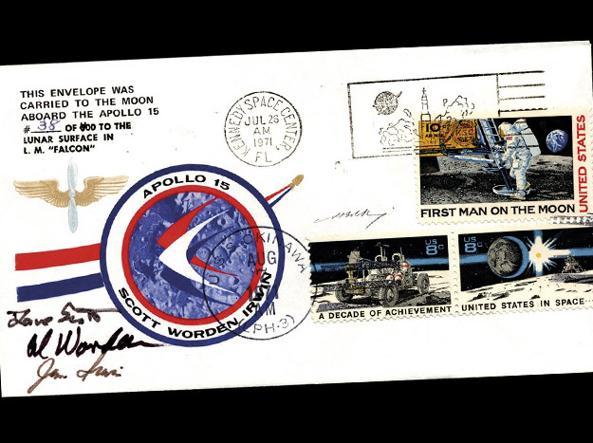 La lettera spaziale risale al 1971. Porta le firme dei tre piloti dell'aeronautica militare americana David Scott, Alfred Worden e James Irwin