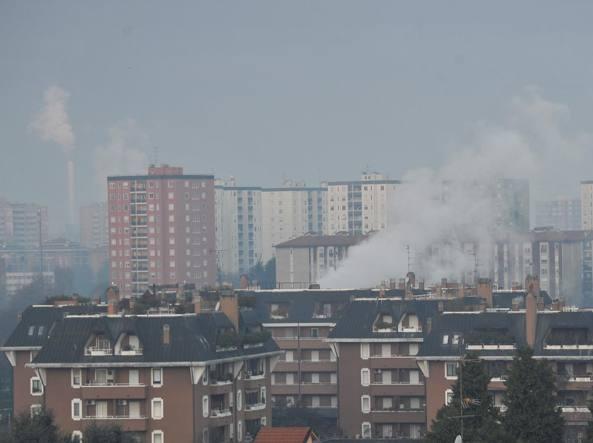 Città sotto cappa smog, Torino e Milano tra le peggiori