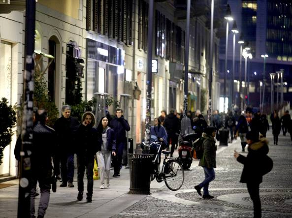 Le rapine ai turisti stranieri i predoni di corso como for Corso di grafica milano