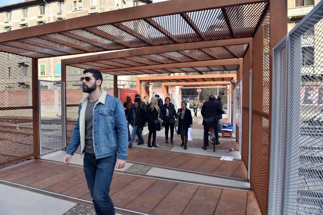 Inaugurata la passerella di porta genova - Carabinieri porta genova milano ...