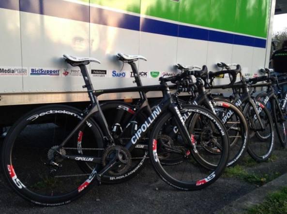 Le biciclette della Milano-Sanremo salvate dai carabinieri (dal sito web del team Bardiani-CSF)