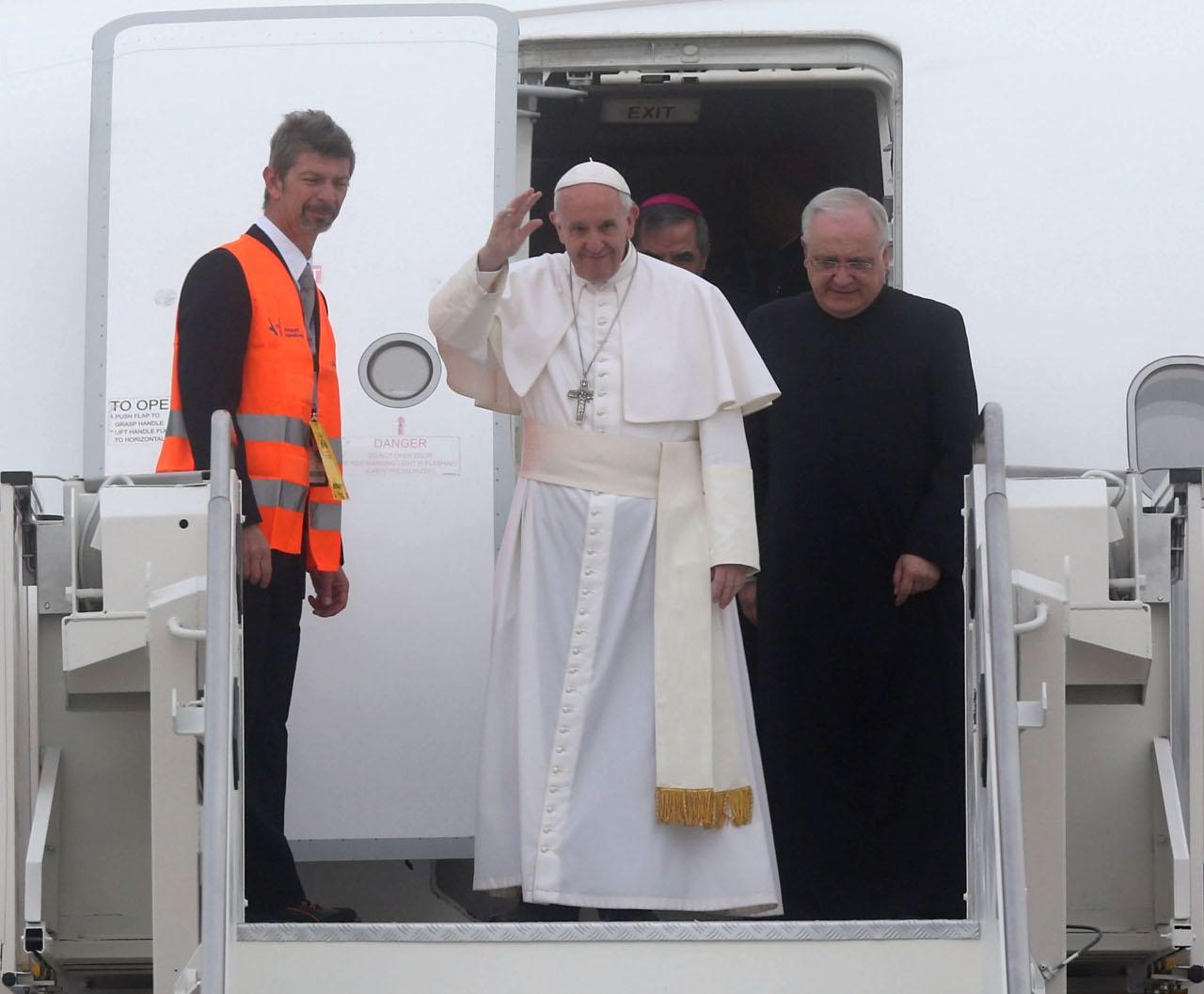 Papa francesco la visita a milano - Papa bagno chimico ...