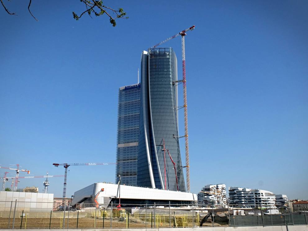 Citylife grattacieli e podium for Centro commerciale city life milano