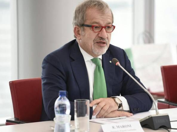 Il presidente della Regione Lombardia, Roberto Maroni (Ansa)