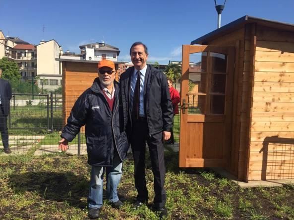 La consegna delle chiavi degli orti di Zara-Expo con il sindaco Beppe Sala (Omnimilano)