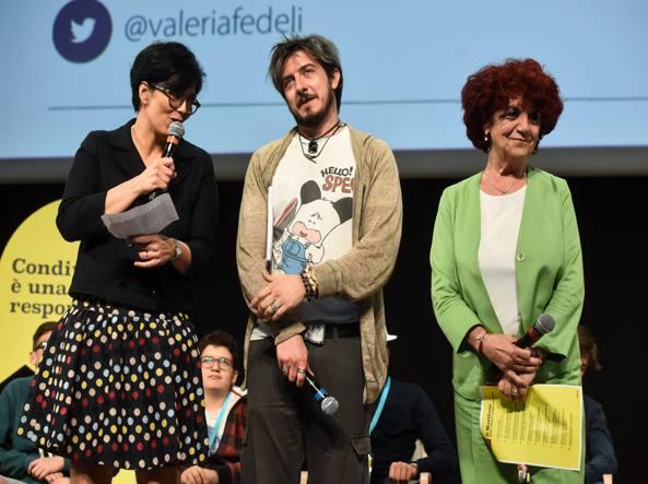 Insegnanti contro linguaggio attore Ruffini