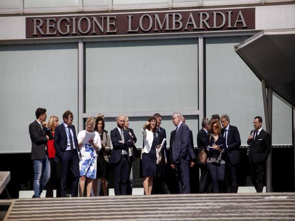 Delegazione Ema a Palazzo Pirelli