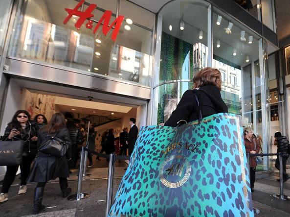 Milano, sabato sciopero dei lavoratori H&m contro i licenziamenti annunciati