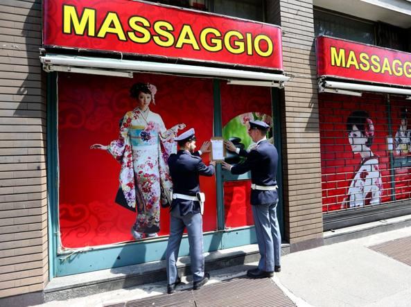 Chiusi due centri massaggi cinesi