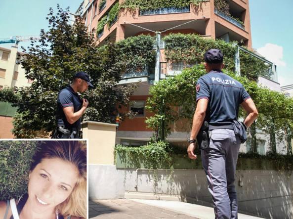 La palazzina di viale Coni Zugna in cui è stata trovata morta Mariana Odica (foto nel riquadro)