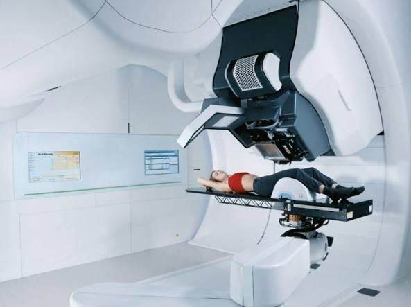 Il macchinario per la protonterapia, utilizzata per curare i tumori pediatrici e, per gli adulti, quelli vicini agli organi vitali o sensibili ai raggi