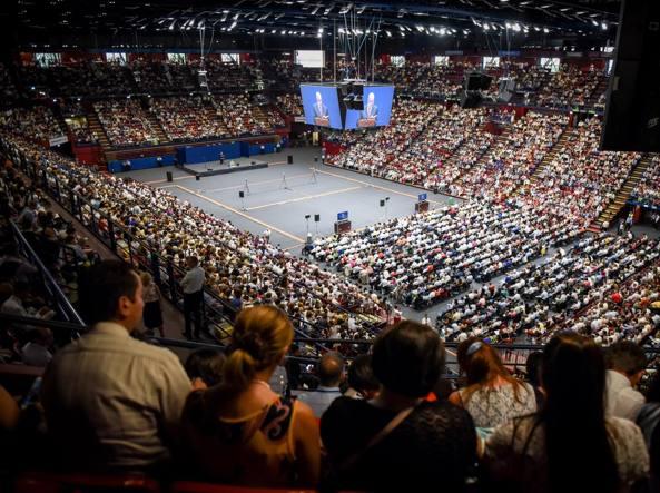 Il congresso dei Testimoni di Geova ad Assago (foto Claudio Furlan/LaPresse)