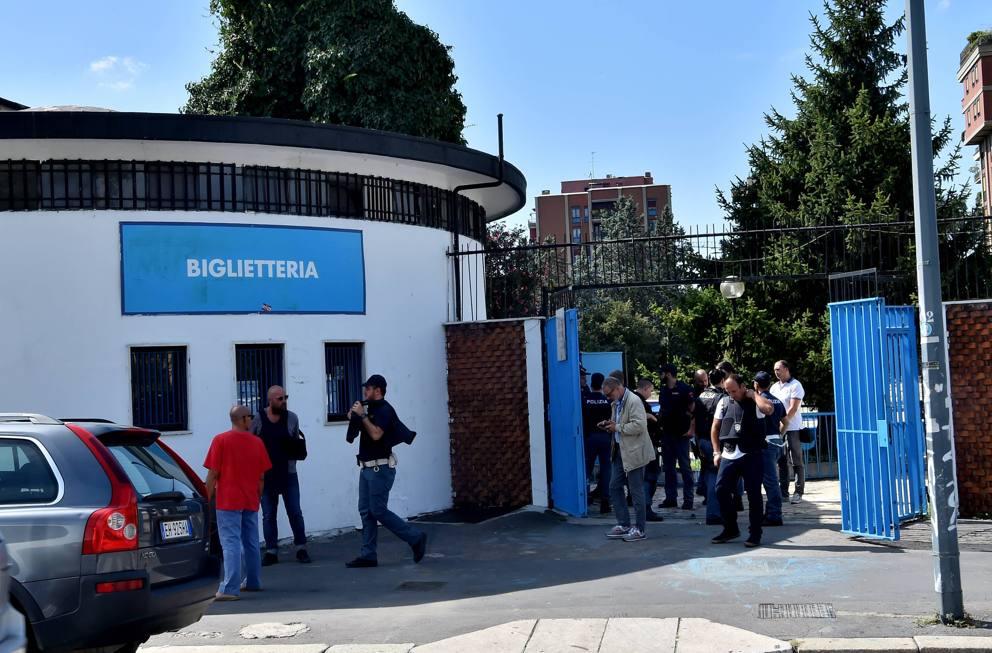 Blitz alla piscina argelati in cerca di igor il russo for Milano piscina argelati