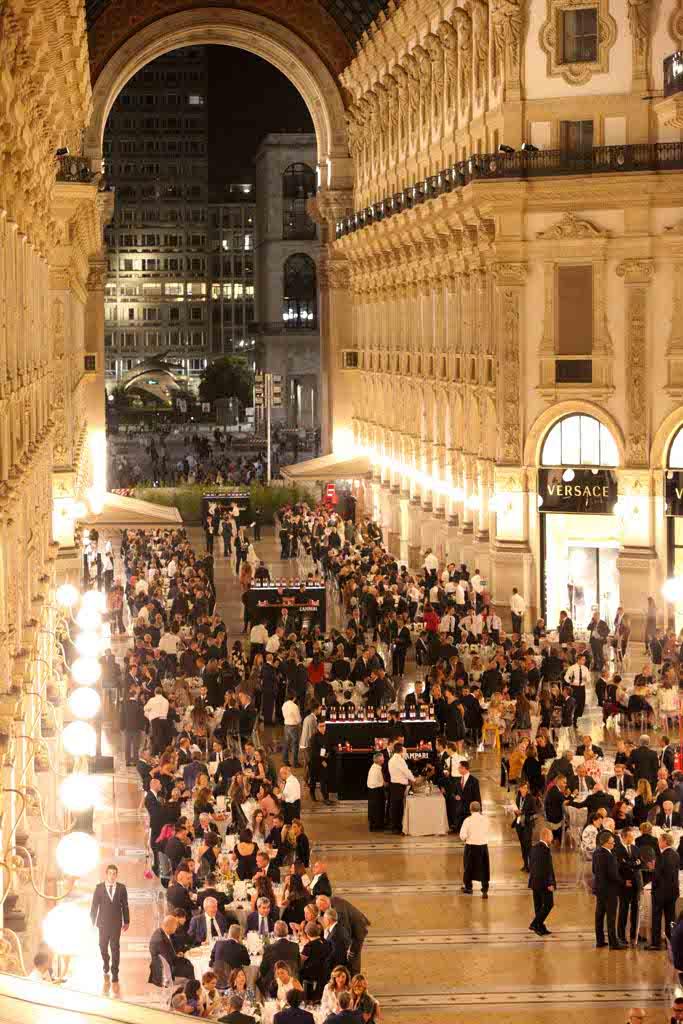 galleria vittorio emanuele milano cena di gala le foto