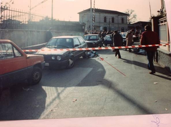 Il luogo dell'omicidio di Carmine Carratù, in via Ippocrate (Comasina)