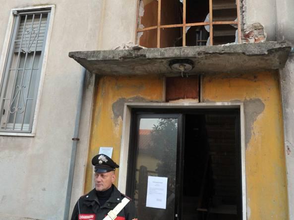 Esplosione nella notte in palazzo di Limito, alle porte di Milano