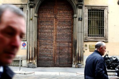 Milano quando il diavolo abitava nella casa di porta - La porta del diavolo ...