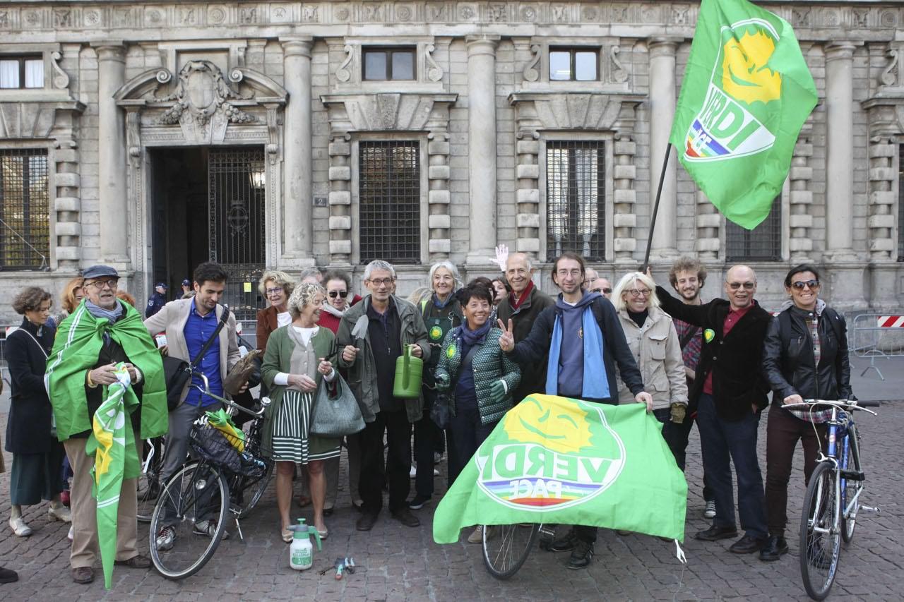 Verde a milano flash mob per l approvazione del for Regolamento igiene milano