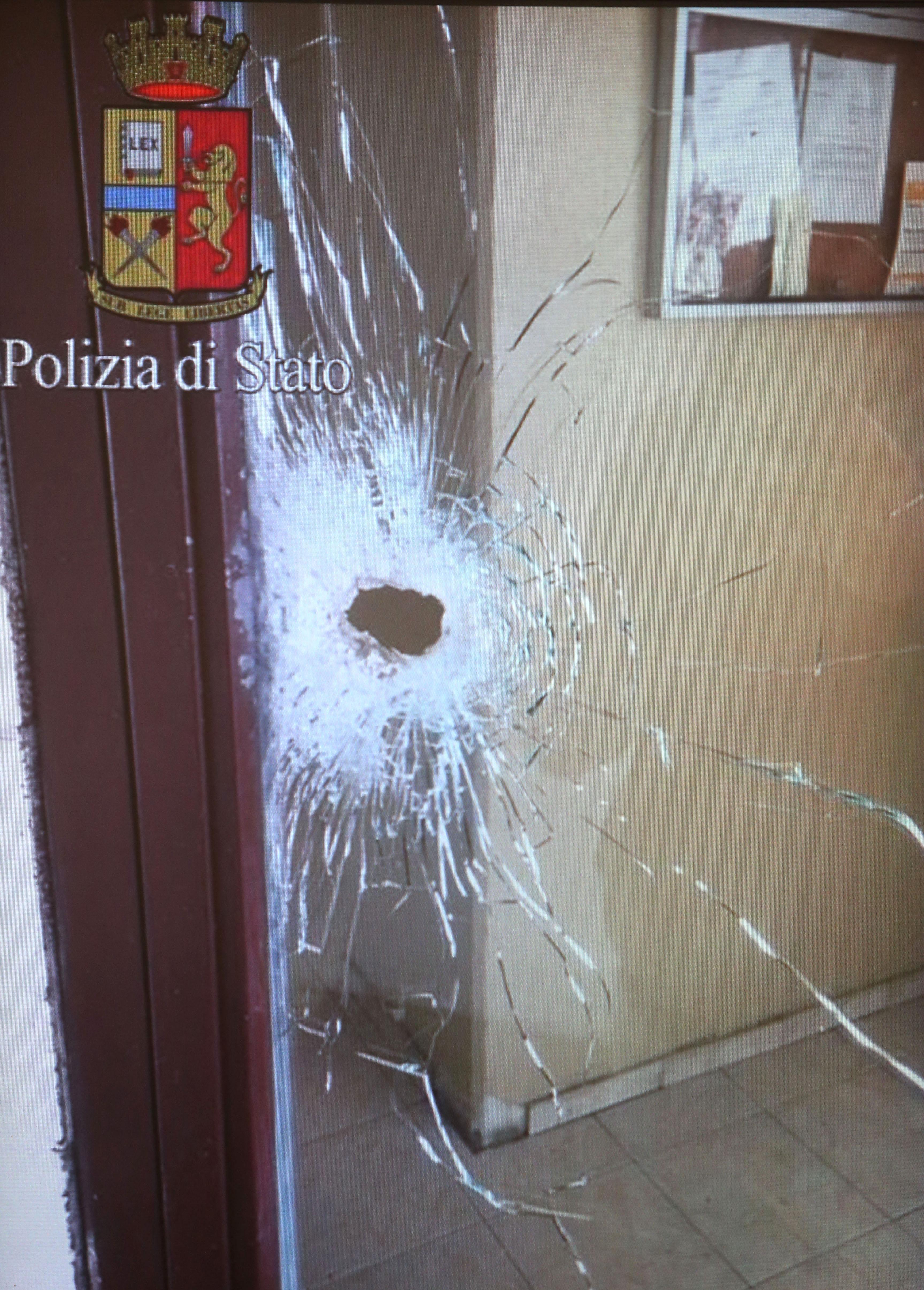 Milano spari in condominio perde un occhio arrestato un - Commissariato porta ticinese ...